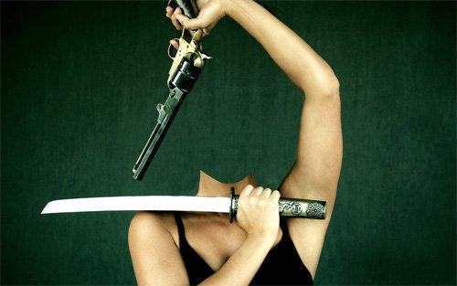 Шаблон для фото - Девушка с катаной и револьвером