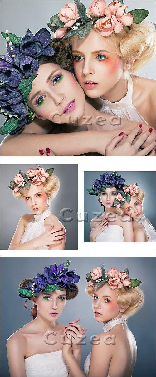 Две прекрасные девушки- нифмы в венках / Two pretty nymphs in wreaths - stock photo