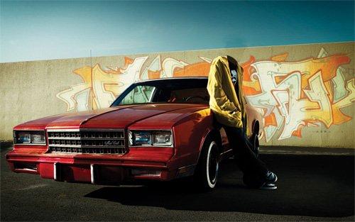 Шаблон мужской - Возле автомобиля Monte Carlo