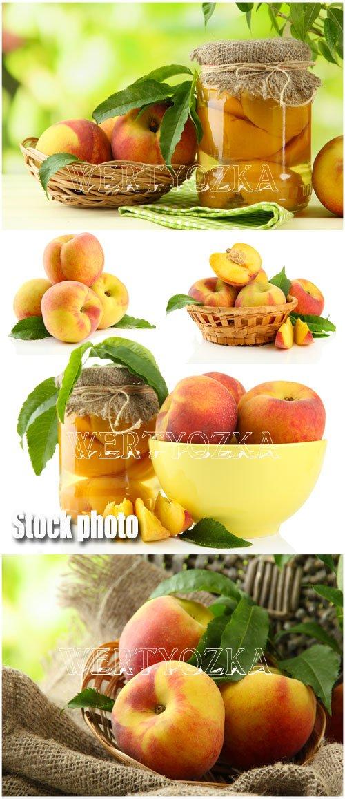 Сочные персики / Peaches - Raster clipart