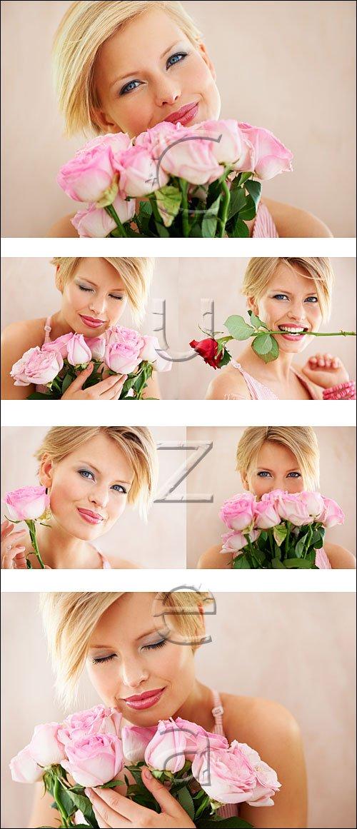 Счастливая девушка с розами / Happy woman with roses - stock photo