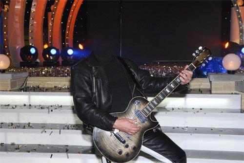 Шаблон для мужчин - На сцене с концертом с гитарой
