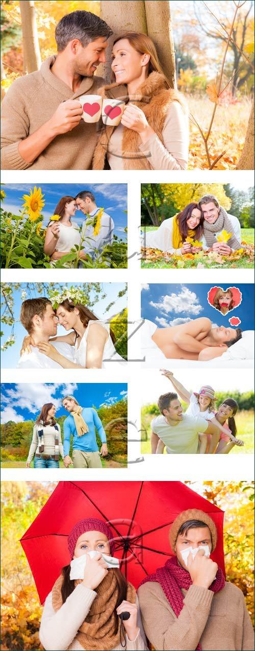 Влюбленные в осенюю пору / Couple in the autumn - stock photo