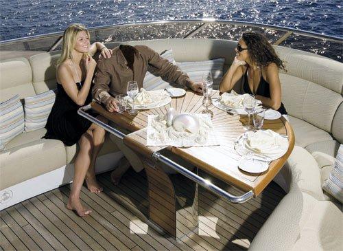 Шаблон для мужчин - Прогулка в море на яхте в компании девушек