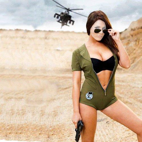 Шаблон для фотомонтажа - Военная девушка с пистолетом