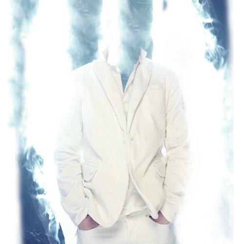 Шаблон мужской - Среди дыма в белом костюме