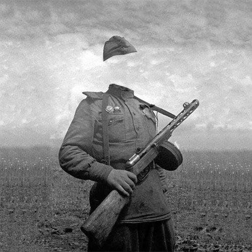 Шаблон psd - Солдат с автоматом в годы войны