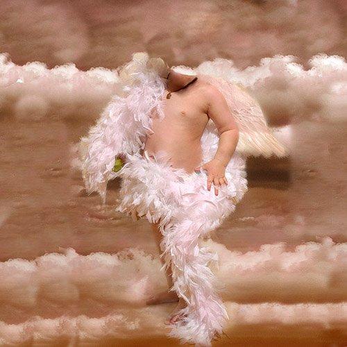 Шаблон psd - Красивый ангелочек с крыльями