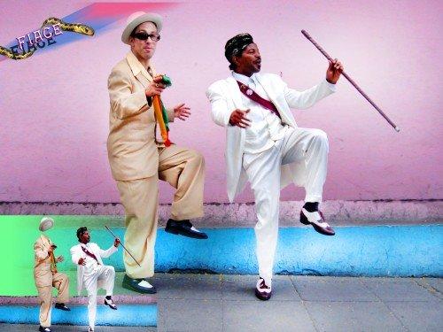 Прикольный костюм мужской - Танцуют степ